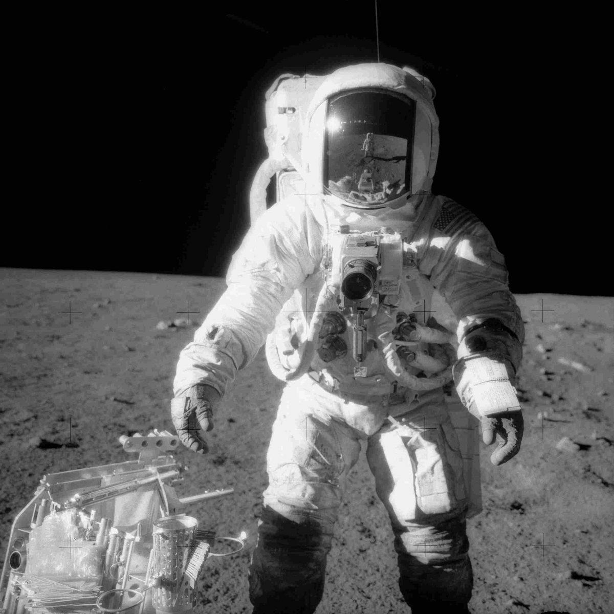 moon_06-1200x1200.jpg