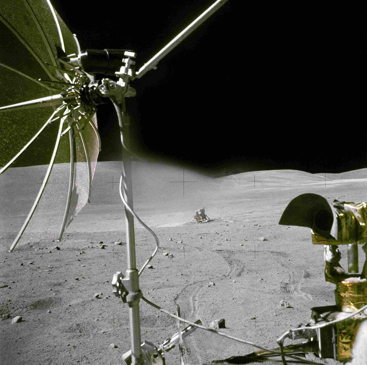moon_07-1200x1196.jpg